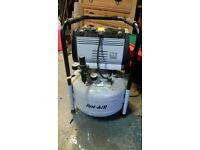 Oil-less SILENT compressor Jun-Air OF302-25B