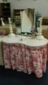 PRICE REDUCED !! DRESSING TABLE KIDNEY SHAPE MIRROR GLASS TOP PRETTY CURTAINS