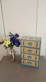 Wooden Jewellery box / Storage drawers with pretty blue painted detail in excellent condition
