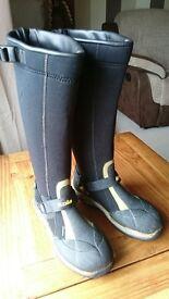 Knee High Palm Kola Boots - Unisex Size 6