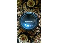 6 Pioneer speakers