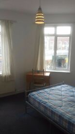 Bedsit available in Bexleyheath town center