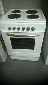 60 CM COOKER NEVER USED ( STILL UNDER MANUFACTURERS GUARANTEE )