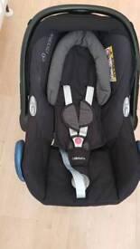 Maxi cosi cabriofix car seat in excellent condition