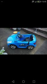 Kids electric cars one blue one green