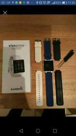 Garmin Vivoactive + 2 wrist bands, excellent condition