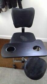Good condition black salon chair £20 collect cb4