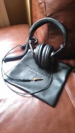 Shure SRH-840 Reference Headphones £70
