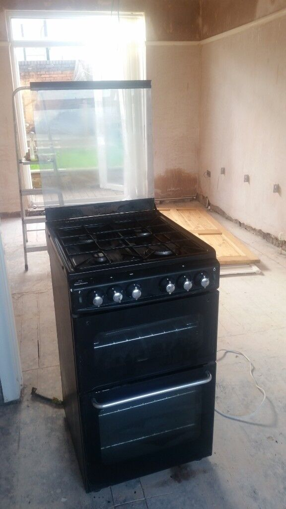 Black gas cooker/hob must pick up.Open to sensible offers.