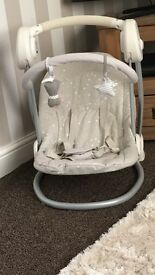 Mamasandpapas baby swing very good condition hardly used just needs new batteries