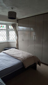 DOUBLE ROOM AND SINGLE ROOM AVAILABLE TO RENT IN A SHARED HOUSE