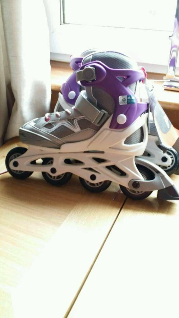 BNWT OXELO INLINE ROLLER BOOTS size 3.5-5.5