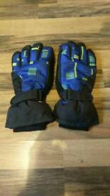 Childrens ski snowboard gloves size L/XL