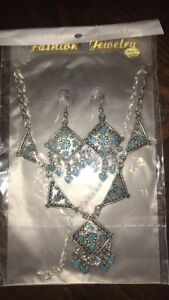 New earrings and necklace set teal/silver