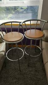 Pair of Bar stools Red Good condition