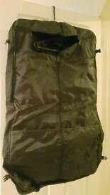 Suit carrier black