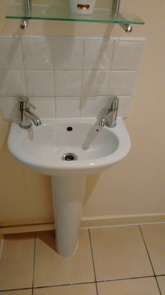 Free closet basin and toilet | in Cambridge, Cambridgeshire | Gumtree