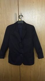Unisex navy blazer. Fits school years 3-4. Child ages 6-8