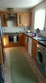 2 bedroom end of terrace house to rent in Tain