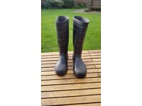 Wellington boots size 10 steel toe capped ideal for working with large animals