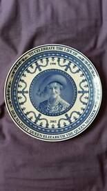 HM Queen Mum Commemorative Plate