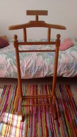 Pine butler clothes stand twisted barley