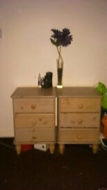 A lovely pair of pine wooden drawers, twin bedside drawer set