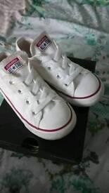 Size 9 white converse