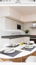 Stunning 2 bed penthouse flat to rent N20