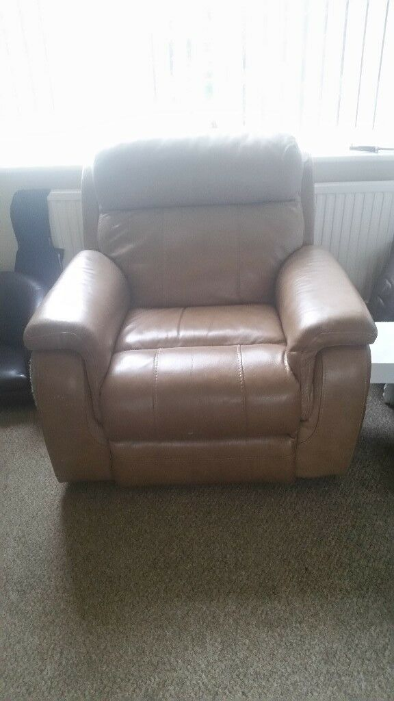 Reclining lazy boy arm chair