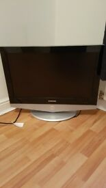 "Samsung 26"" tv and remote"