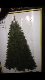 12 ft foot Commercial Christmas Tree AND 1000 lights!!!