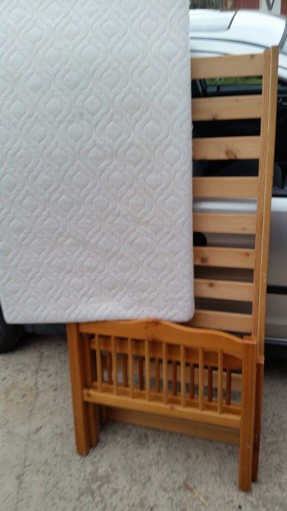 Woden doddler bed with mattress