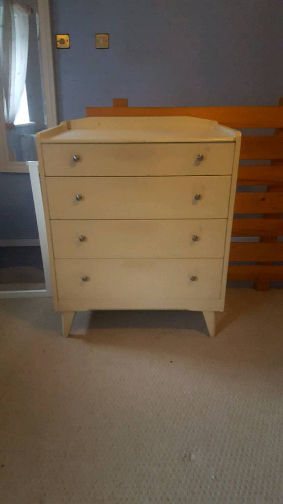 Chest of Drawers and bed side drawers