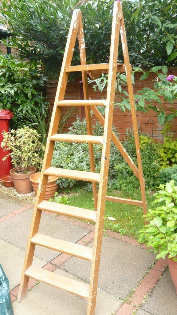 Vintage 7 steps wooden step ladder, strong and stable suitable for decorating, display