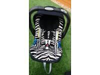 Britax baby safe shr II car seat and isofix base