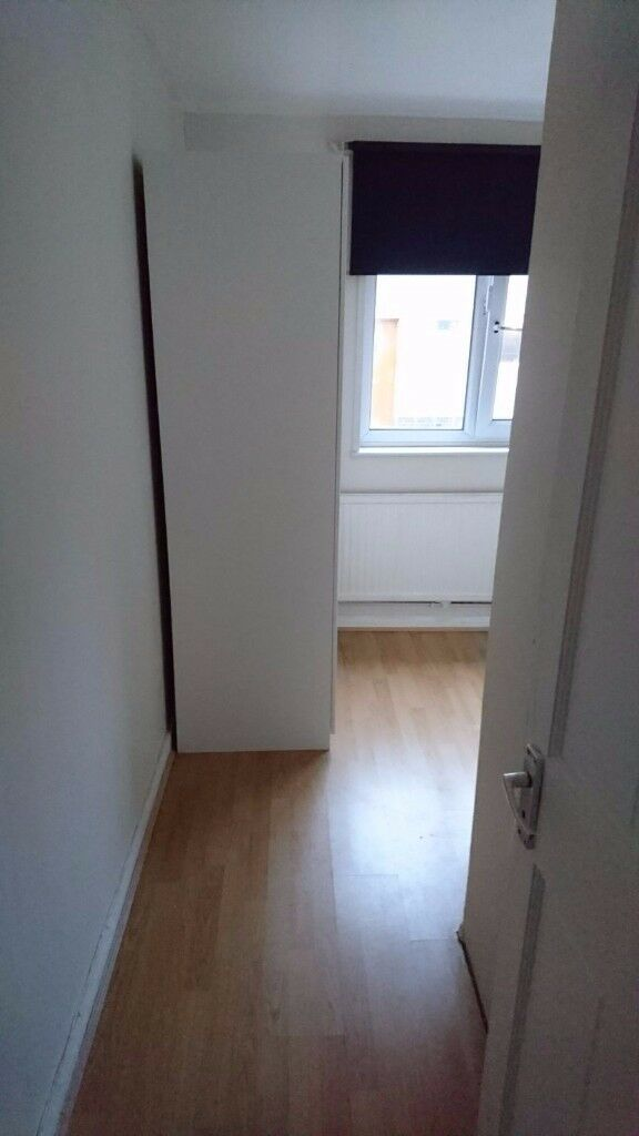 Cosy Single Room 5 MIN walk from Mile End Station Zone2 East London