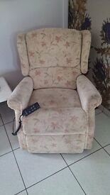 Electric Recliner Chair For Sale..£99.00..Can Deliver Locally For Free ..Great Condition