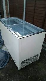 """Free delivery""SUBSTANTIAL FREEZER GLASS SLIDING TOP ""CLEAN USED CONDITION 89.99 Offers considered"