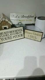 Kitchen wall plaques
