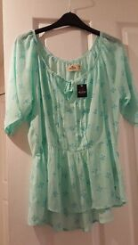 Hollister top (medium) brand new with tags