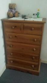 Bedroom furniture in solid Pine wood