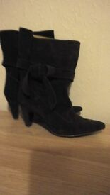 VERA CUOIO, HIGH QUALITY SUEDE ANKLE BOOTS, BROWN