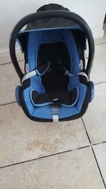 maxi cosi cabriofix with rain cover and footmuff