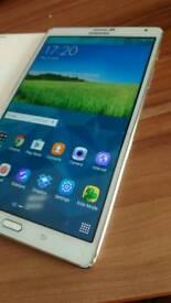 Samsung Galaxy Tab S 8.4-inch WQXGA 2560 x 1600 Octa-Core 3gb RAM 16gb ROM
