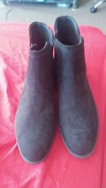 Womens size 7 ankle boots