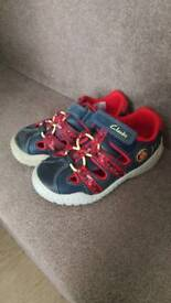 Clarks toddler shoes. 7G