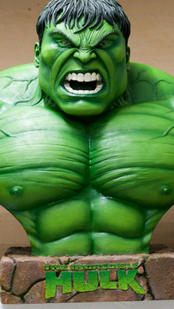 Life size. hulk .collectable. bust.figure