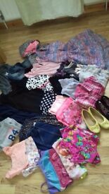 Fantastic clothes bundle all clothes like new