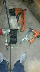 Nail gun and staples